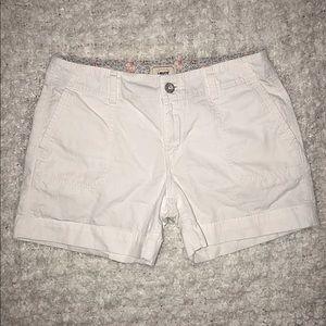 NWOT Levi's White Khaki Shorts
